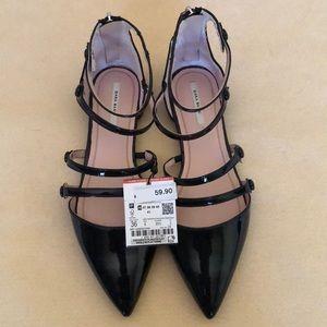 Black Zara patent flats sz 6